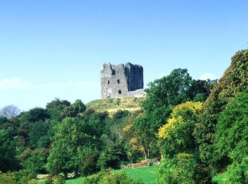 dondonal castle